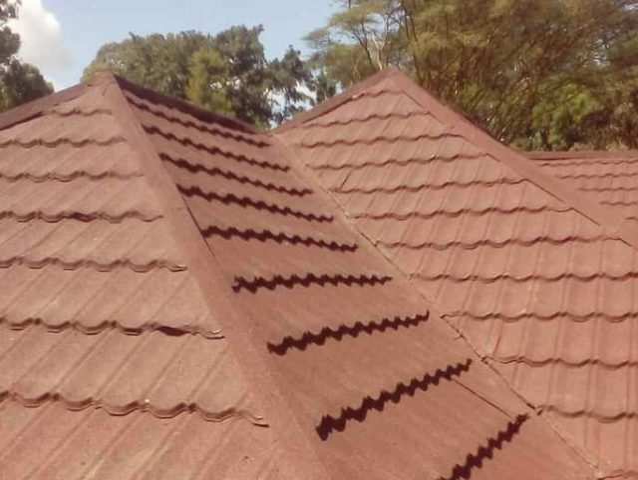 https://rexeroofing.com/rexeloads/uploads/2019/07/roof-maintenance-in-kenya-640x480.jpg